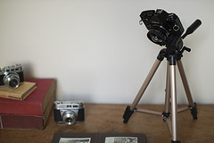 Use Your Old Camera As A Desk Lamp