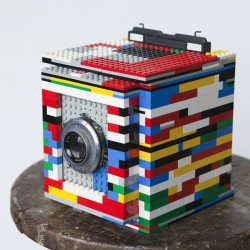 Fully Working 4×5 Camera Made Of LEGO Bricks