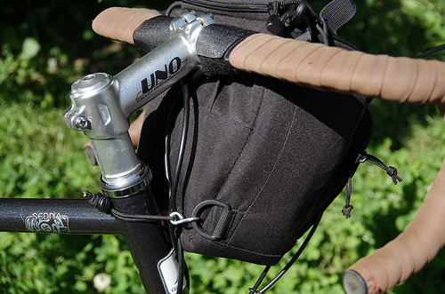 Lowepro Toploader zoom 50 AW on a bike