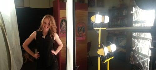 Using A Huge DIY Reflector For Hollywood Lighting