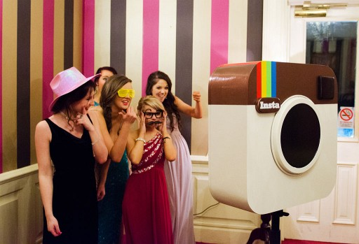 This Photobooth Looks Like Instagram - Just As Trendy