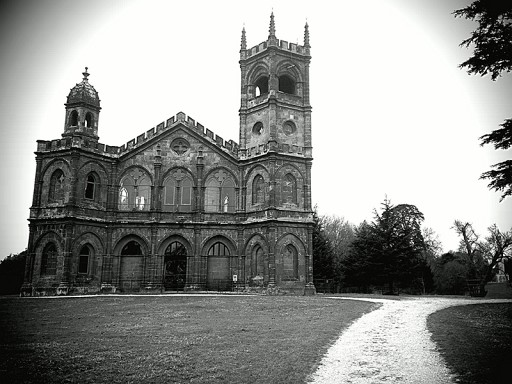 Camera-Boost-Leica-BW-church-800x