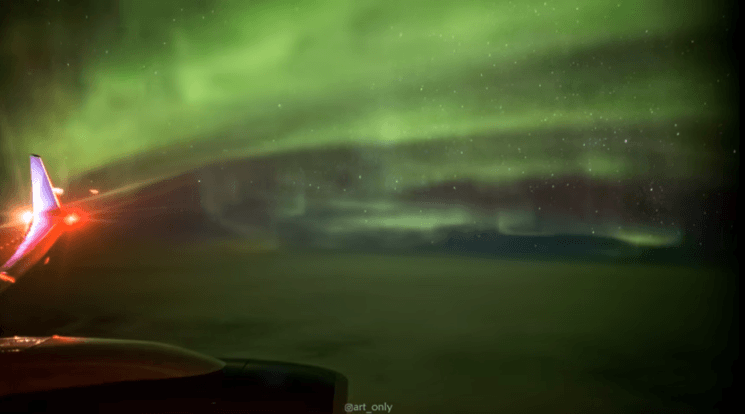Timelapse video of Aurora Borealis from an airplane window will take your breath away