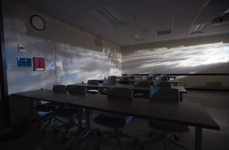 Professor turns the entire classroom into camera obscura