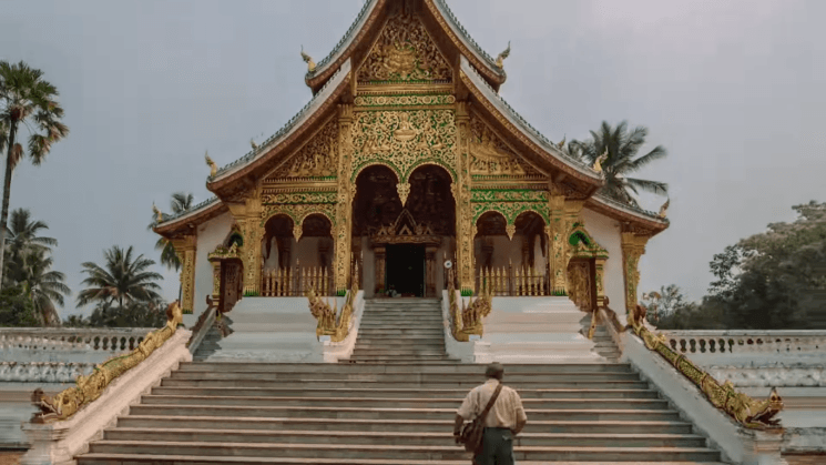 Swiss couple quit their jobs to travel Asia and create this epic hyperlapse
