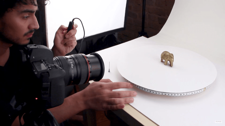 Make a cheap and easy DIY turntable for 360° product photography and video