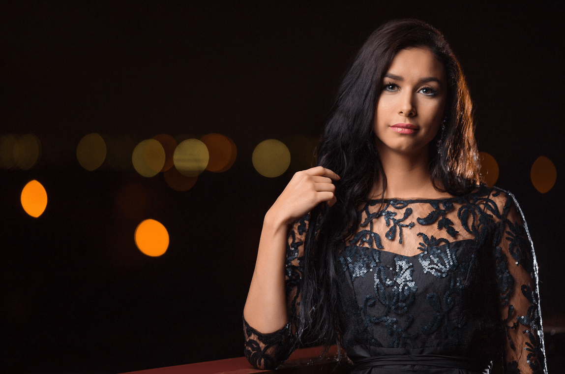 Here's how to take awesome night portraits with off camera flash