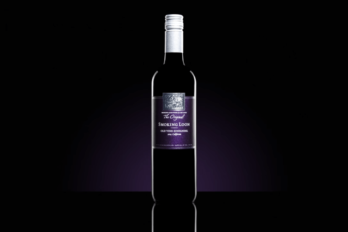 How to photograph wine and give it bold look using only one speedlight