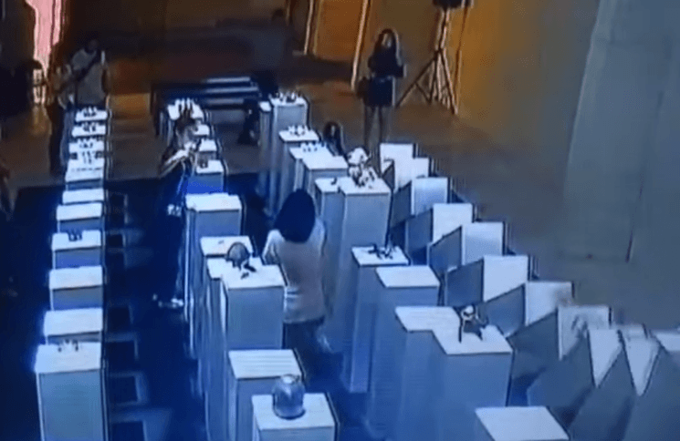 Woman destroys $200,000 worth of art for a selfie